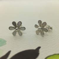 Mother of Pearl Daisy Studs