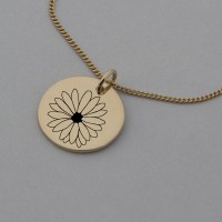 Daisy of April Rose Gold Birth Flower Pendant